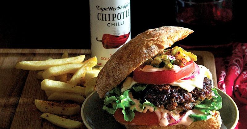 Chipotle Cowboy Burger mit Ananas-Jalapeno Salsa