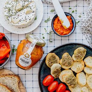 Mus aus gerösteter Paprika und Tomate