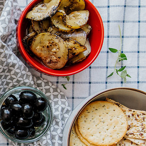 Geröstete Zucchini – eingelegt in Öl mit Knoblauch und Petersilie